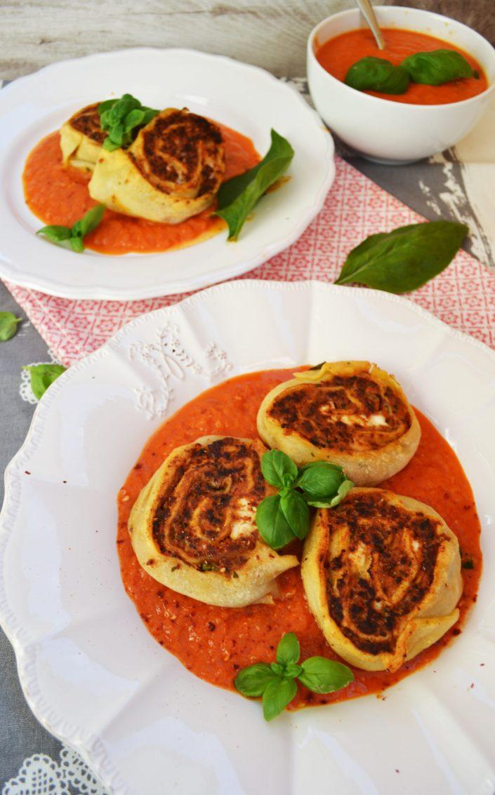 Fabelhaftes Pasta-Essen! Gefüllte Nudelschnecken