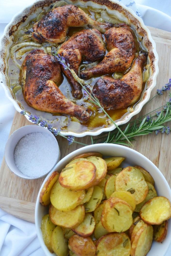 Sommergruß aus der Provence! Zitronen-Lavendel-Hühnchen mit knusprigen Kartoffelscheiben