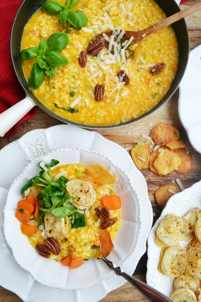 Strahlender Winterteller! Karotten-Risotto mit Ziegenkäse-Kartoffelscheiben