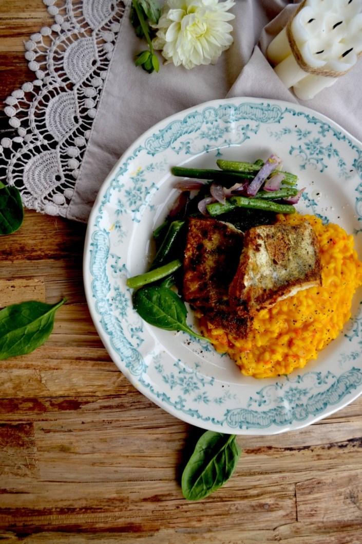 Glücksteller zum Dahinschmelzen! Cremiges Kürbisrisotto mit knusprigem Zander und grünen Sesam-Bohnen