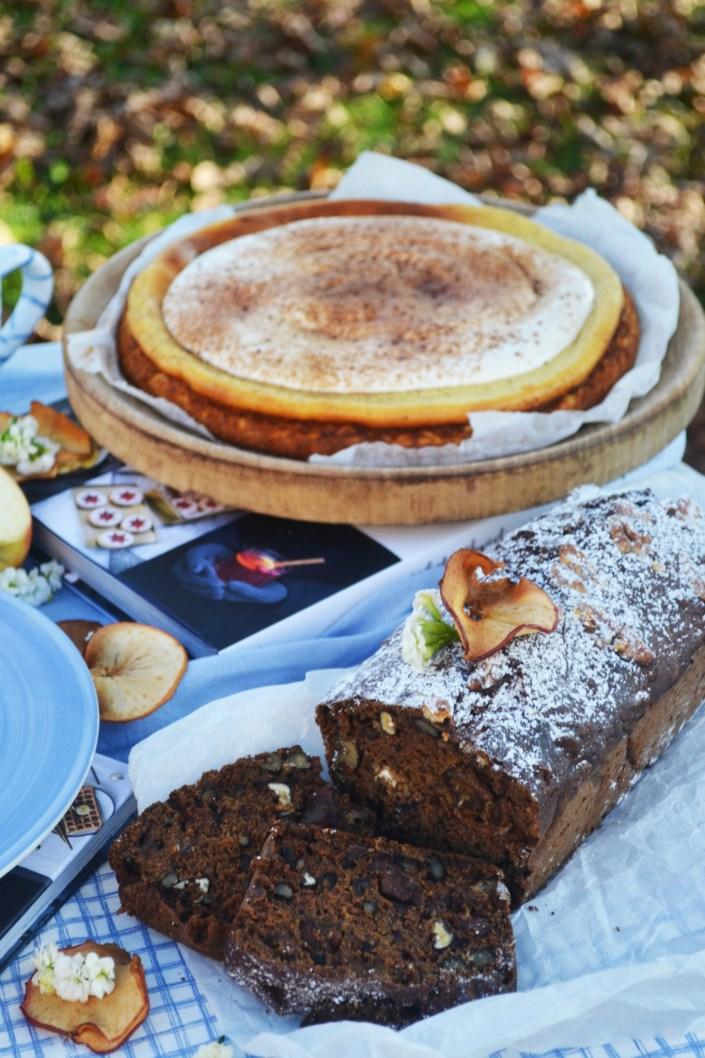 Vorfreude auf die schönste Zeit des Jahres! Dattel-Nuss-Brot und Spekulatius-Cheesecake mit Eierlikör