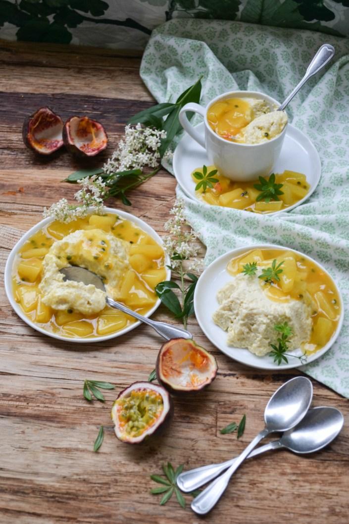 SÜSSE KINDHEITSERINNERUNGEN ZUM LÖFFELN! Vanille-Milchreis-Creme mit Ananas-Maracuja-Ragout