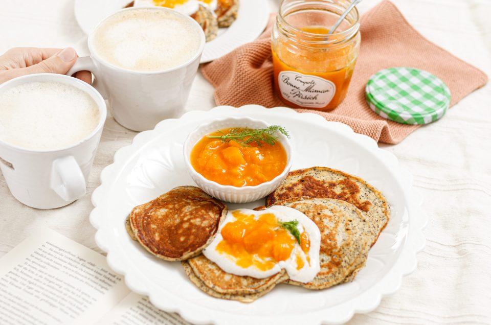 SONNIGES GUTE LAUNE FRÜHSTÜCK! Fluffige Topfen-Mohn-Pancakes mit Bonne Maman Pfirsich Compote