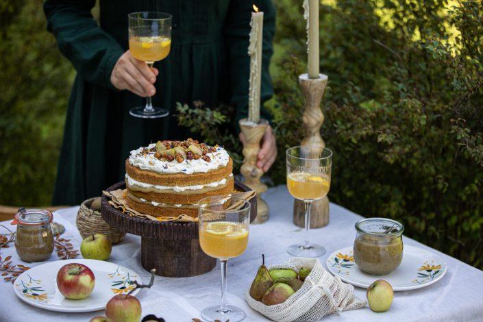 SÜSSES HERBSTGEDICHT! Kürbiskuchen mit Apfel-Birnen-Mus, Vanillecreme & karamellisierten Haselnüssen