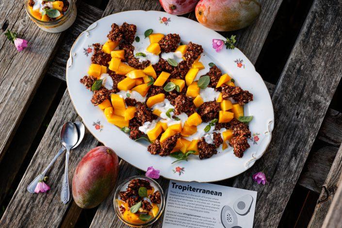 CROWDFARMING FÜR EINE UMWELTFREUNDLICHE ZUKUNFT! Zerbröselter Cookie-Salat mit BIO-Mangos