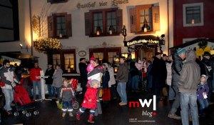 schoenaus-talstrasse-erstrahlt-im-lichterglanz-01