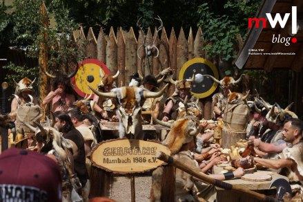 keule-hoch-germanenfest-in-mambach-20