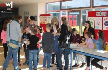 tag-der-glaesernen-schule-am-meret-oppenheim-schulzentrum-steinen-meinwiesental-grosses-Interesse-an-den-Angeboten