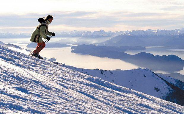 Foto sem data Turista na estação de esqui Cerro Catedral, que fica a 19 km de San Carlos de Bariloche.