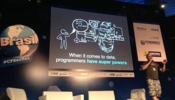 """Campus Party Recife: Ean Schuessler ensina como """"hackear"""" a sua cidade"""