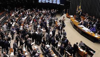 Câmara aprova PL que vai taxar serviços de internet