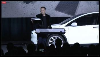 Elon Musk apresenta o Tesla X