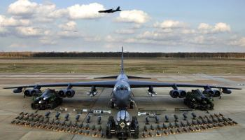 USAF quer B-52… WITH LASERS!