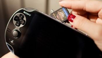 Sony vai encerrar a produção de mídias físicas do PS Vita nos Estados Unidos e Europa