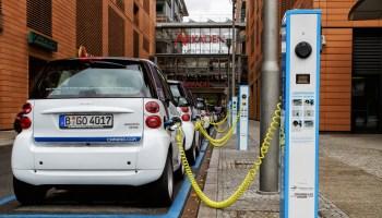 Finja preocupação: carros elétricos começam a afetar indústria petrolífera na Noruega
