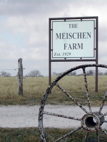 Sign at the entrance to the Meischen family farm