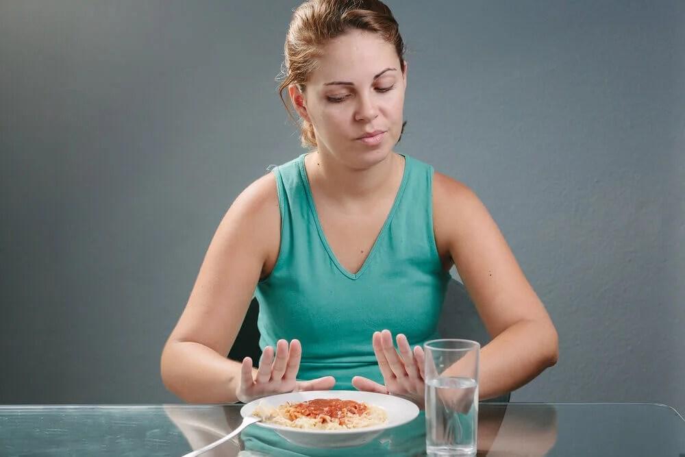 Mujer con falta de apetito