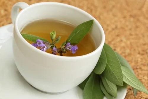 Salvia y vinagre de manzana