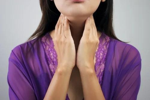 Mujer con problema de tiroides