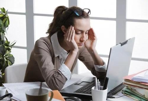 dolor de cabeza en el trabajo