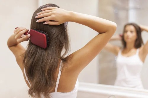 cepillado para recuperar el brillo de tu cabello