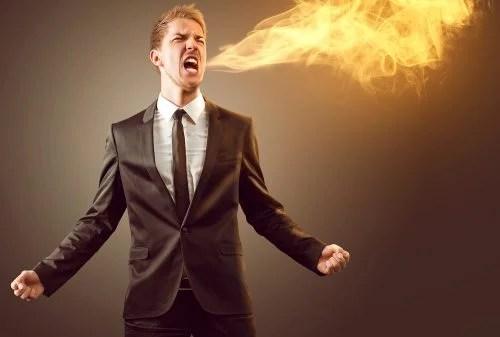 hombre-echando-fuego-por-la-boca