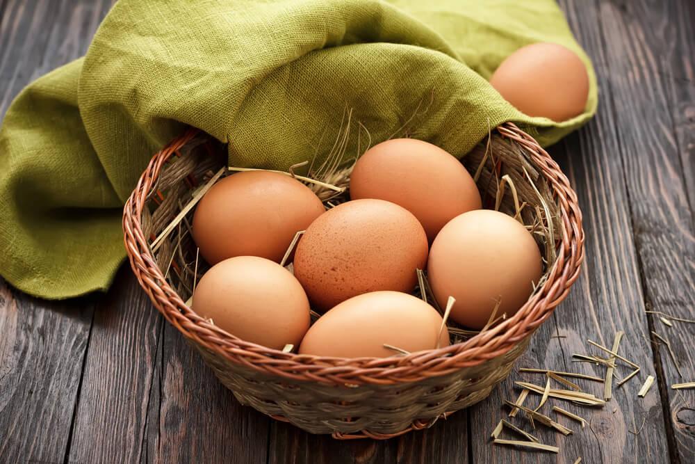 Qué daños pueden generar los huevos en mal estado en el organismo humano