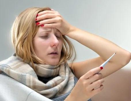 fiebre y dolor de cabeza