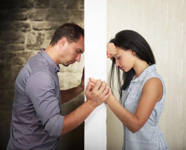 pareja-triste-por-separarse