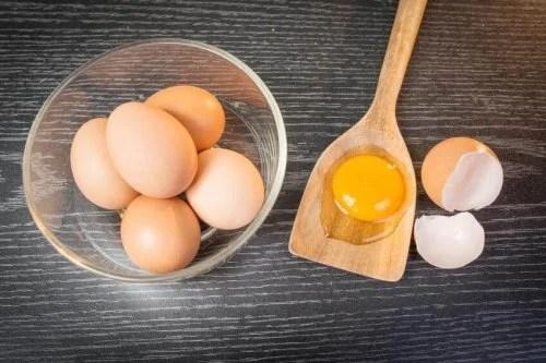 Huevo para proteger el cabello del sol