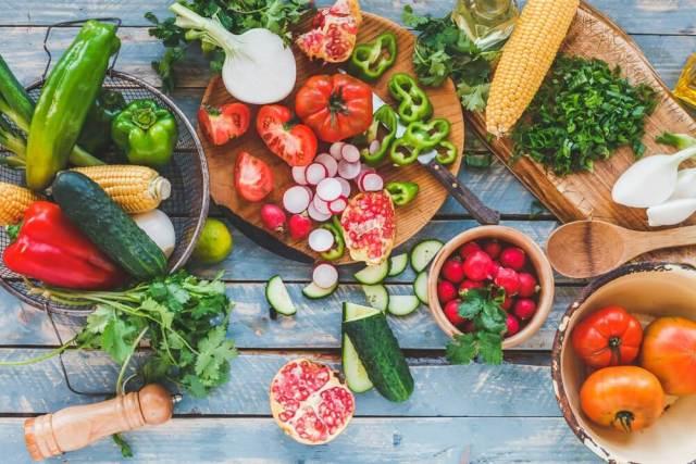 Frutas y verduras para frenar la caída del pelo