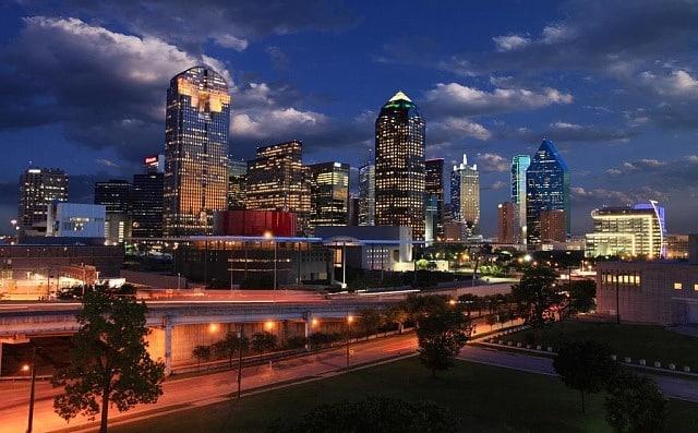 Mejores zonas donde alojarse en Dallas - Downtown