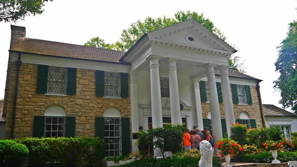 Best neighborhoods to stay in Memphis - Near Graceland