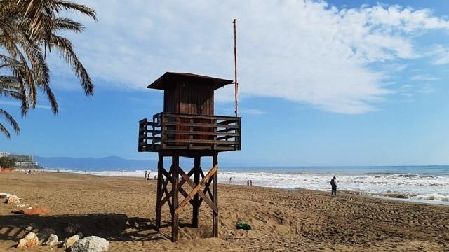 Best location in Torremolinos, Spain for tourists - La Carihuela