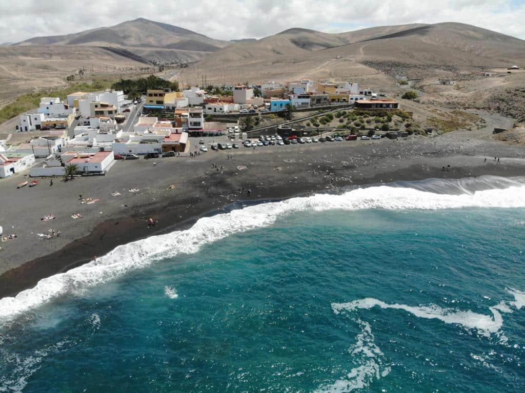 Localidad de playa tranquila donde dormir en Fuerteventura - Ajuy