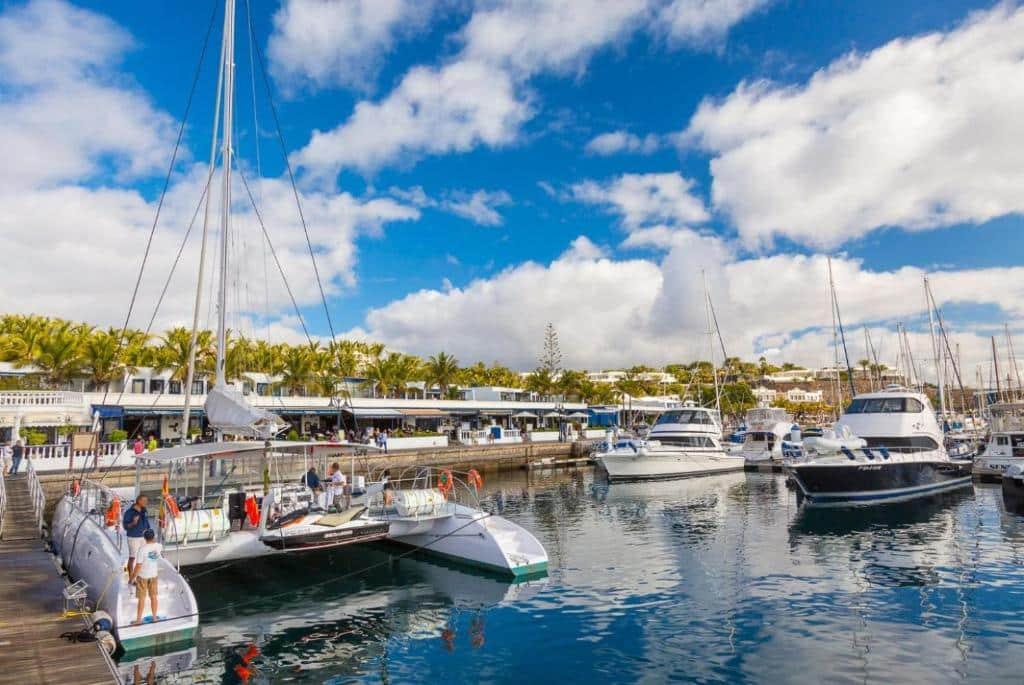 Mejores zonas de costa donde alojarse en Lanzarote - Puerto Calero
