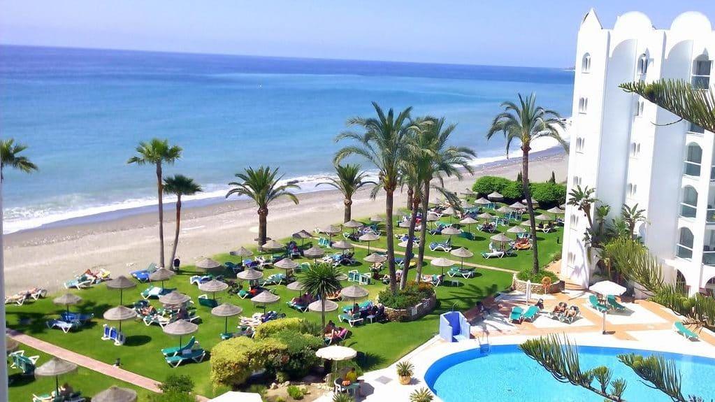 Mejores zonas donde quedarse en Nerja, Málaga - Punta Lara