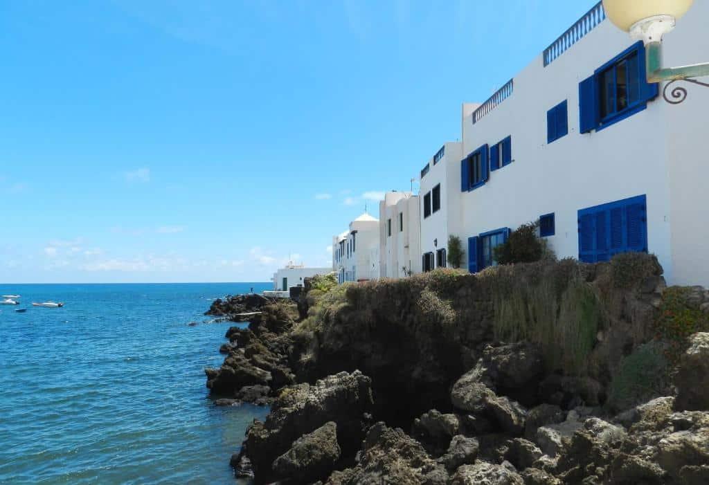 Zona de playa tranquila donde dormir en Lanzarote - Punta Mujeres
