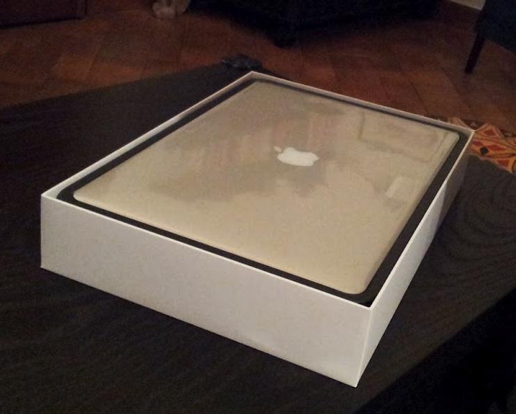 Unboxing e zampe su: Macbook Pro Retina 15 pollici