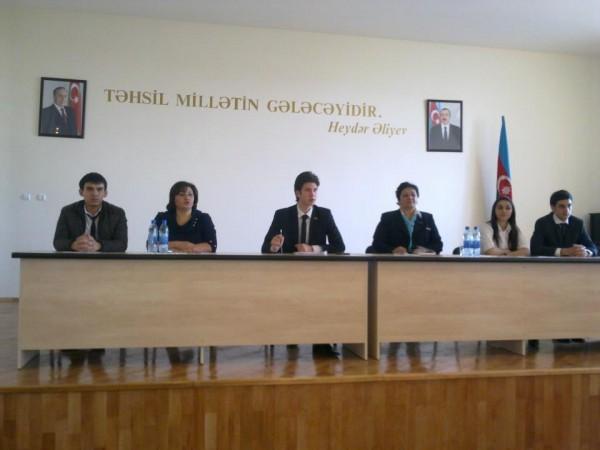 22 məktəbin iştirakı ilə ümum şəhər Məktəb Parlamentinin ilk iclası keçirilib (1)