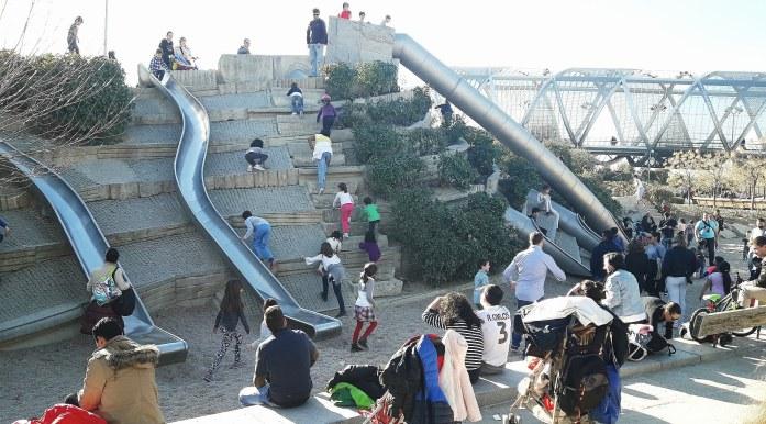 Parques infantis em Madrid-Rio