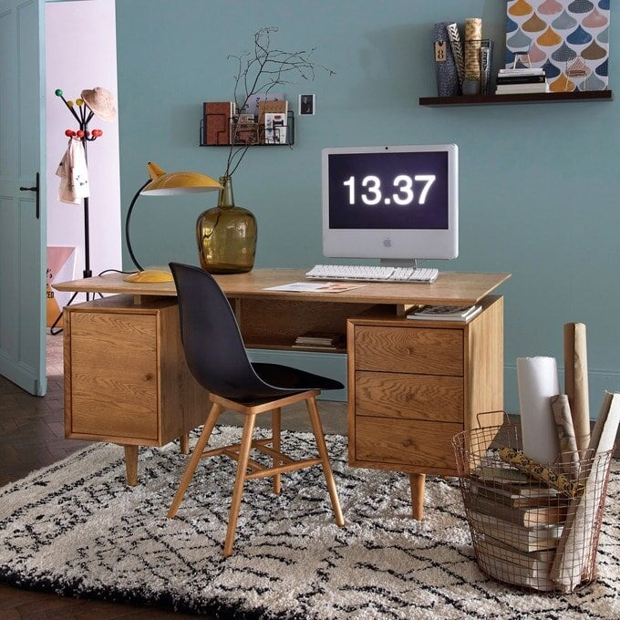 Look how good this  La Redoute Quilda Oak Desk  goes with the  La Redoute Afaw Berber rug . In fact, I might get rid of my Ikea desk after all :)