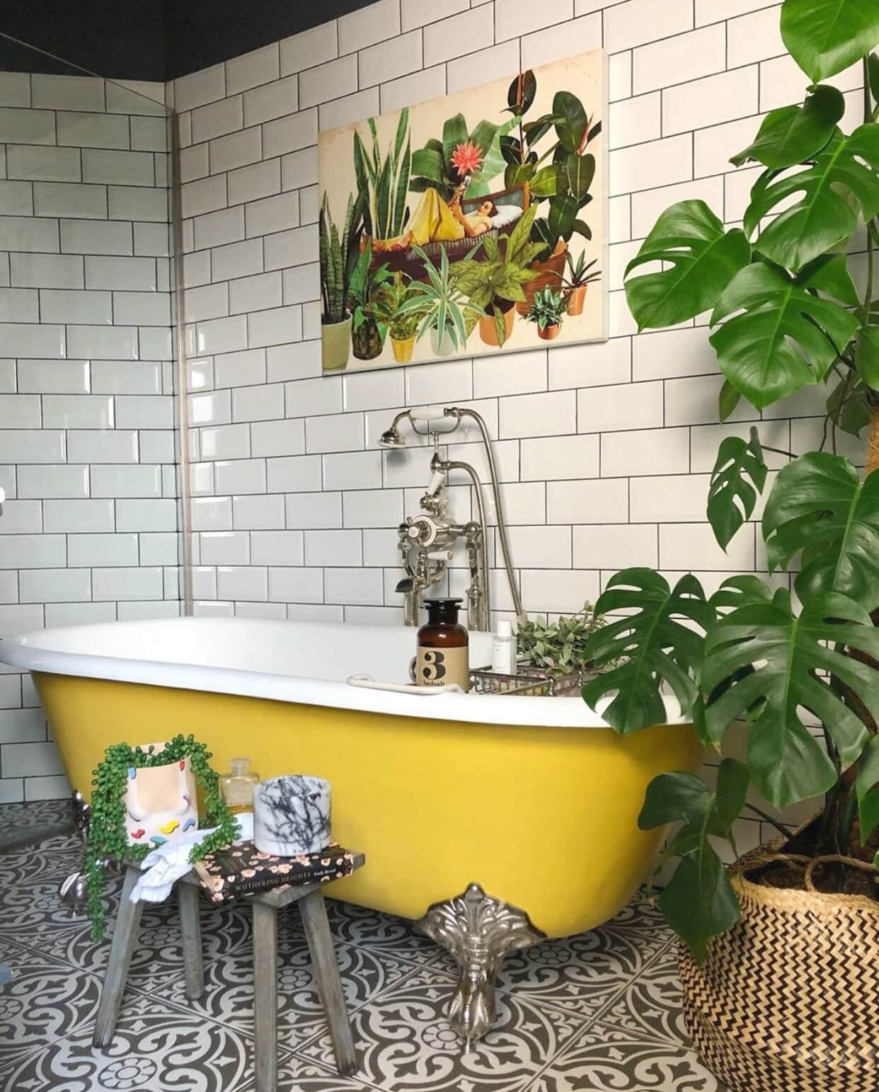 One of my favourite colourful baths on the gram! Instagram: @the_idle_hands