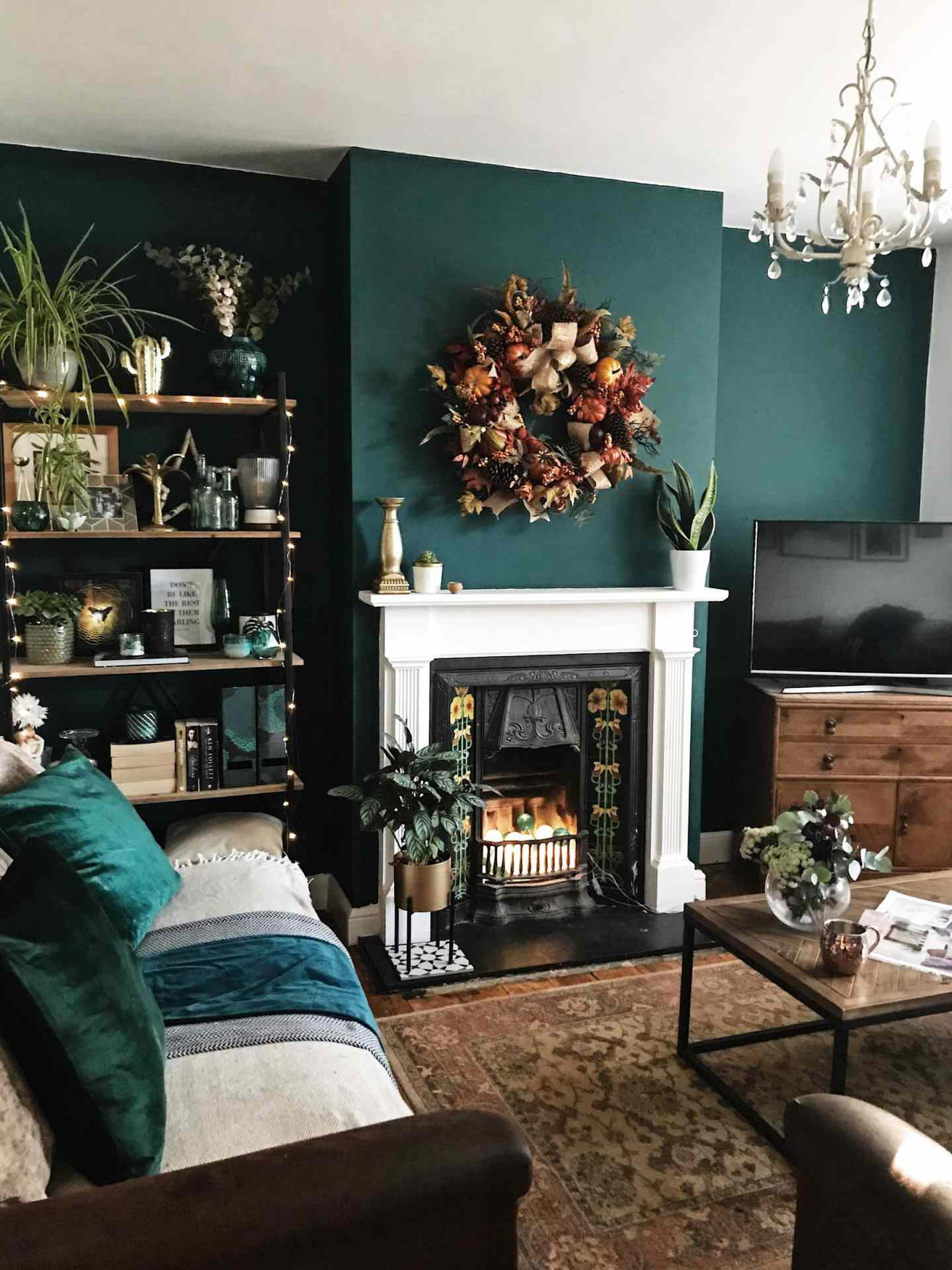 A very autumnal looking living room - this was taken in October, obviously! :)