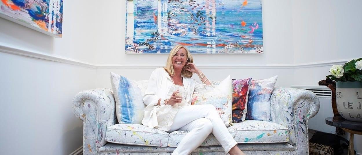 Jessica with her prints and fabrics - photo -  www.jessicazoob.com