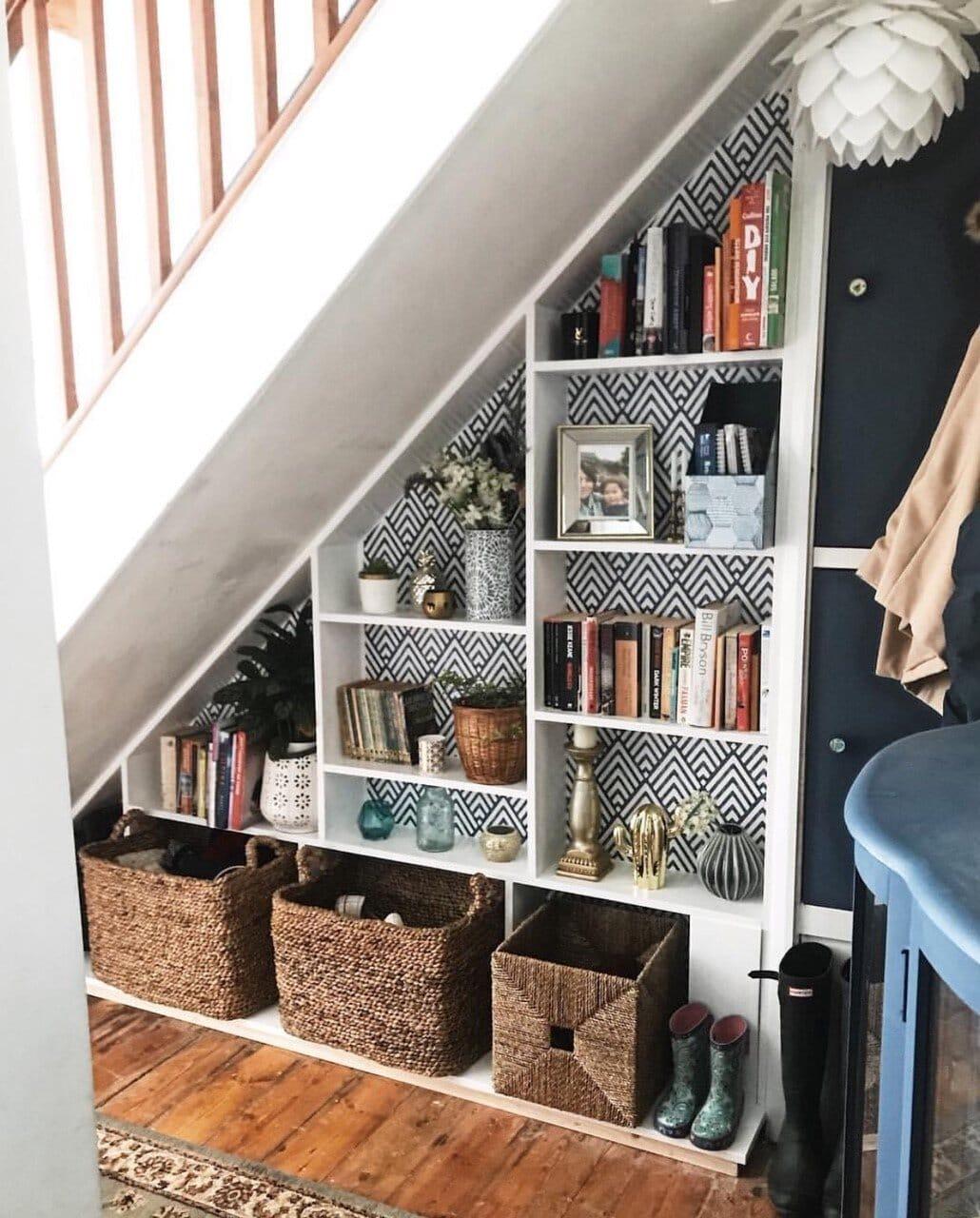 interior design, instagram, instagram trends, home decor, social media, blogging, instagram advice, blogging advice, pinterest, shelfie, bookcase, hallway