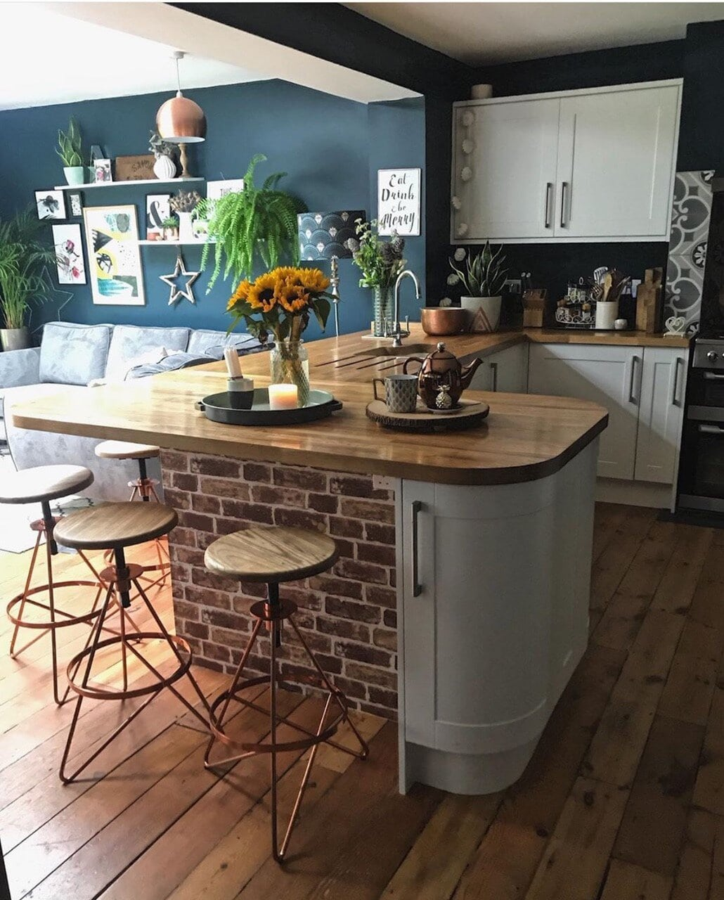 interior design, instagram, instagram trends, home decor, social media, blogging, instagram advice, blogging advice, pinterest, kitchen, sunflowers