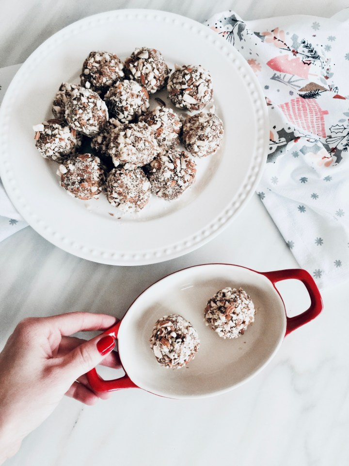 Almond & Honey energy bites