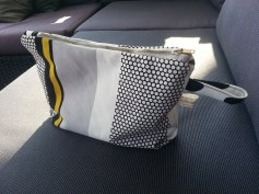 Mel.Anni's handmade Kosmetiktäschchen black&white&Yellow