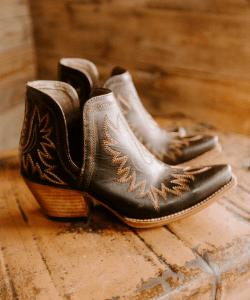 Ariat Dixon Cowboy Boot Bootie